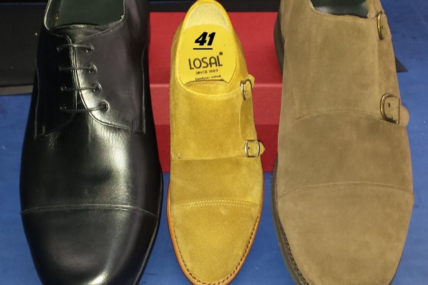 Zapatos a medida en tallas especiais.